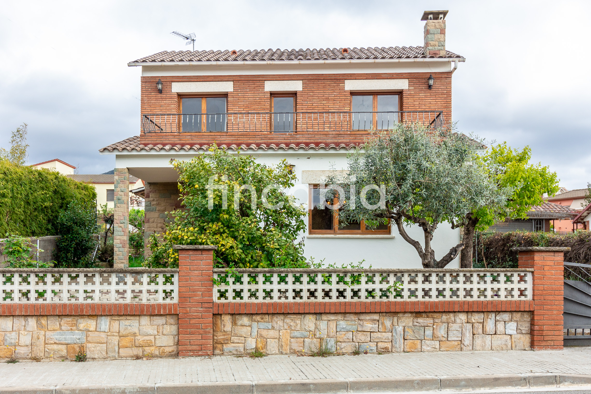 Isolated house with private garden for sale in Cànoves and Samalús