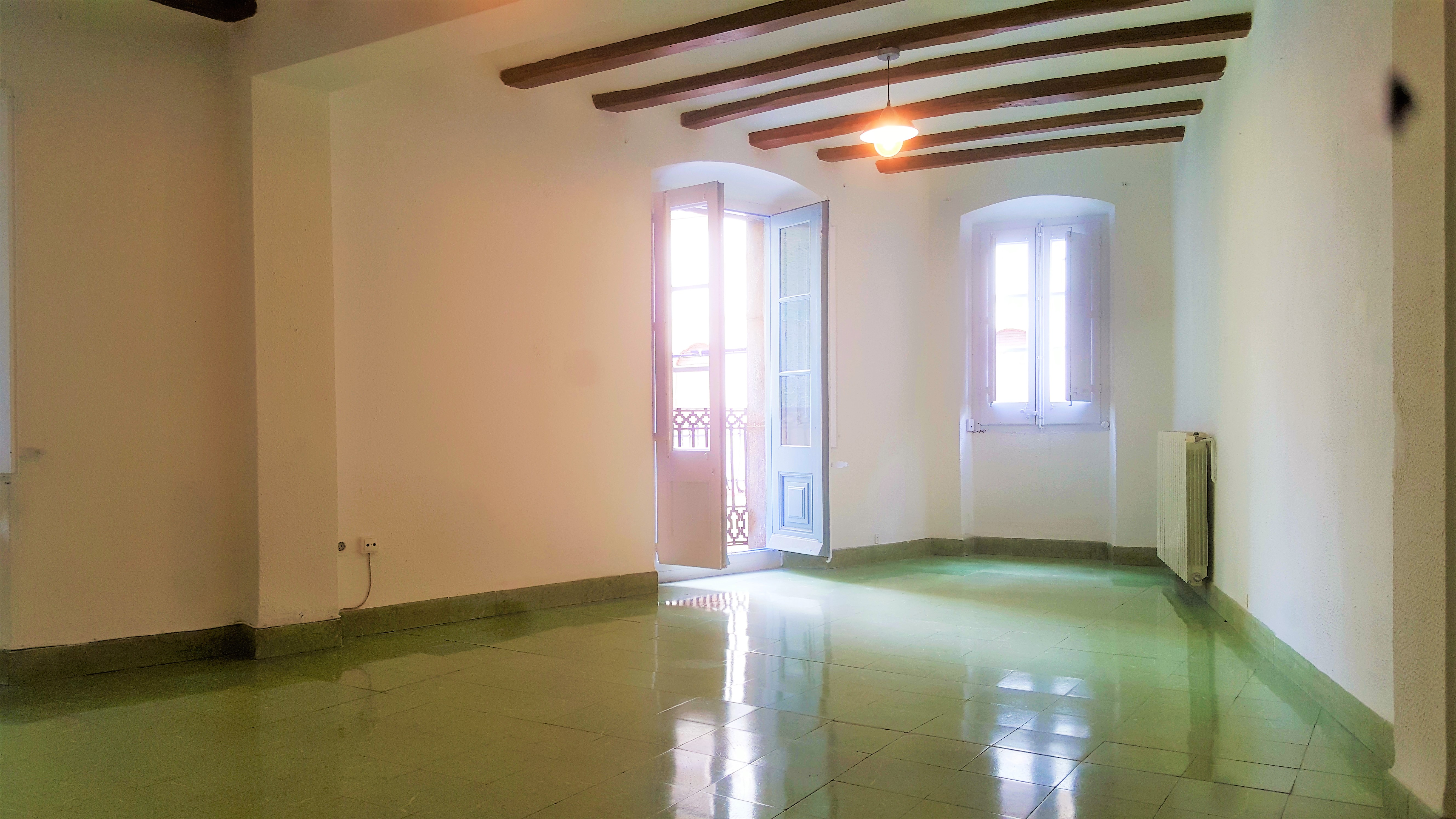Stately apartment in the main square of Santa Coloma de Farners